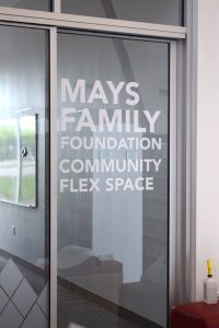 cut vinyl lettering for doors and offices